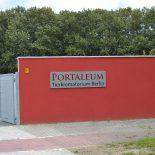 Eingang zum PORTALEUM Parkplatz